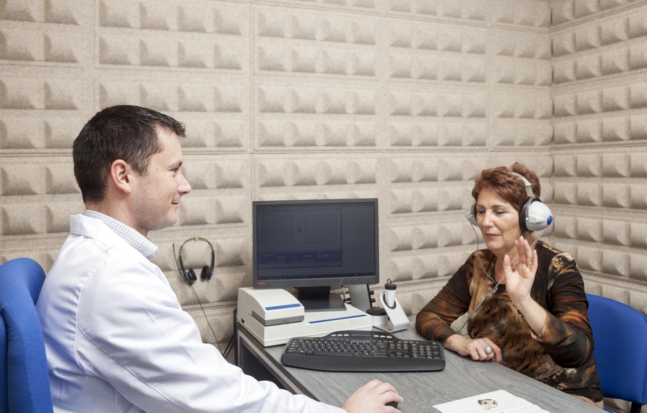 https://www.entincayman.com/es/wp-content/uploads/ENT-in-Cayman-Hearing-test.jpg